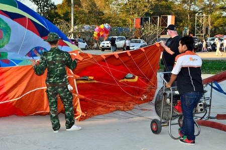 CHIANG MAI, THAILAND - JAN 21: Unidentified peoples at The 1st CHIANGMAI international Balloon festival on Jan 21, 2012 in Khaung Sansai San Sai Luang Municipality , Chiang Mai, Thailand. Stock Photo - 12925896