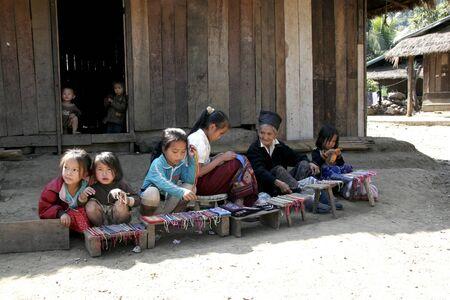 lao: Lao est le pays asiatique, les gens sont tr�s gentils Tody tourisme lao