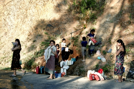 lao: Lao en action Life Style, ? simple, agr�able et facilement �ditoriale