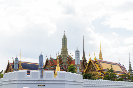 kingly: Bangkok, Thailand - October 23, 2016 : The Royal Grand Palace during the mourning period for the funeral of His Majesty King Bhumibol Adulyadej. Editorial