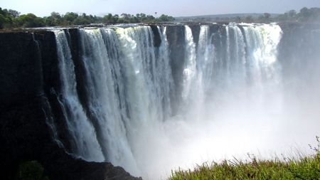 Victoria Falls seen from the side of Zimbabwe Stock Photo - 6591550