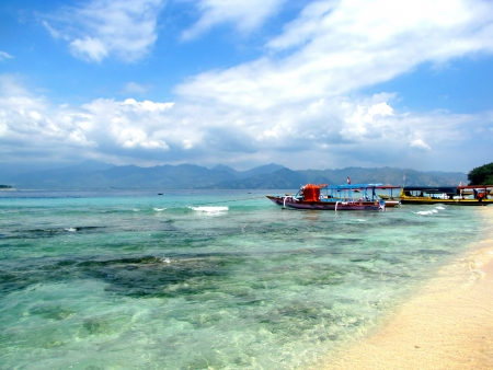lombok: Beautiful tropical beach on Gili Air island, Lombok, Indonesia