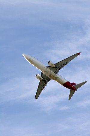 Witte Vliegtuig aan de hemel, onderkant, onderkant
