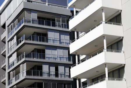 Modern Urban Apartment Building In Sydney, Australia Stock Photo - 3556391
