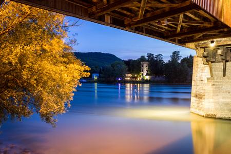 Bad Saeckingen met houten brug Stockfoto - 88247871