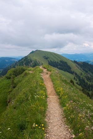 wandelpad in de Duitse Alpen, Beieren, Allgau Stockfoto