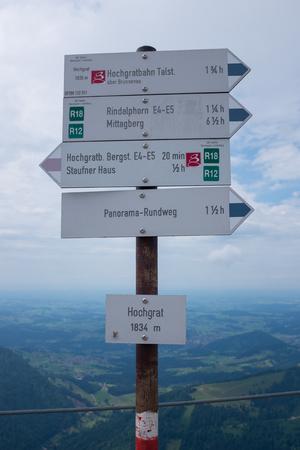 Wandelpad in de Duitse Alpen, Beieren, Allgau Stockfoto - 86029567