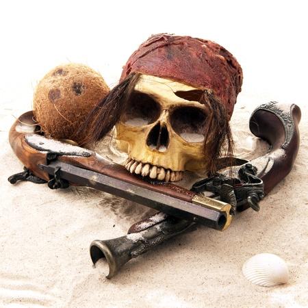 ile au tresor: cr�ne de pirate plage Banque d'images