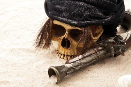 crane pirate: cr�ne de pirate plage Banque d'images