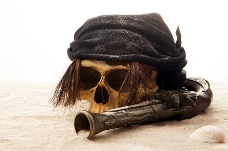 pirate skull beach Stock Photo - 10495322