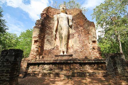 thai buddha: Kamphaeng Phet Historical Park, Kamphaeng Phet, Thailand Stock Photo