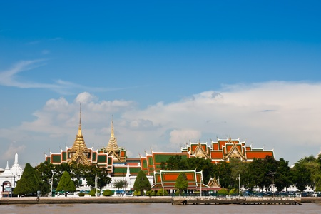 palaces: Gland palace and Wat prakeaw temple