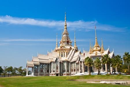 moine: Blanc temple