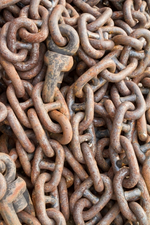Rusty chain for mooring Stock Photo - 17710900