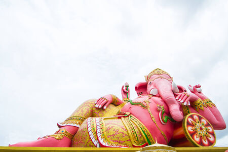 siddhivinayaka: Pink ganesha statue wat Samarn, Chachoengsao, Thailand