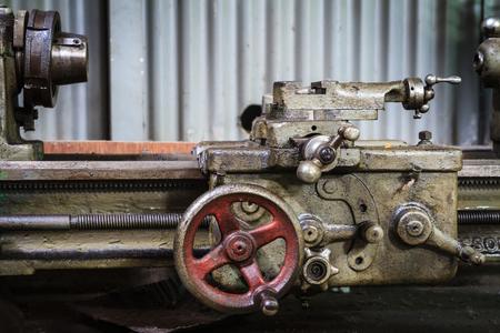 ferreteria: Antigua máquina de torno