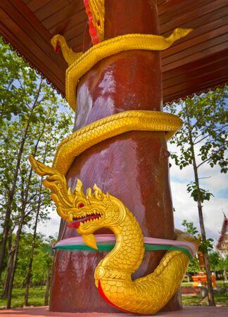 serpents: pillar with serpents