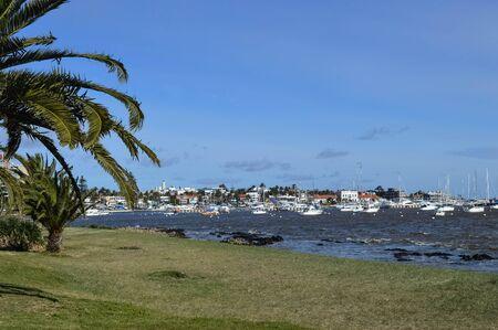 gua: Embar�es in Punta del Este port