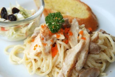 white cream: spaghetti white cream sauce