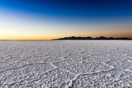 salar de uyuni: Sunrise in the Salar de Uyuni, Bolivia