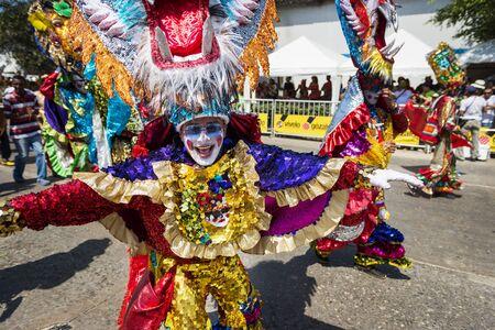 Barranquilla, Colombie - 1er mars 2014: Les gens lors des défilés de carnaval au Carnaval de Barranquilla, en Colombie.
