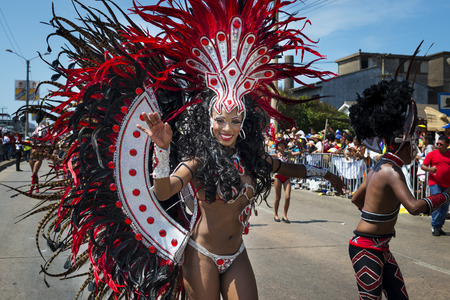 Barranquilla, Colombie - 1 Mars, 2014: Les personnes à des défilés de carnaval dans le Carnaval de Barranquilla, en Colombie. Éditoriale