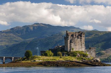 イギリス、スコットランドの高地で、アイリーンドナン城観スコットランドの旅行のためのコンセプト