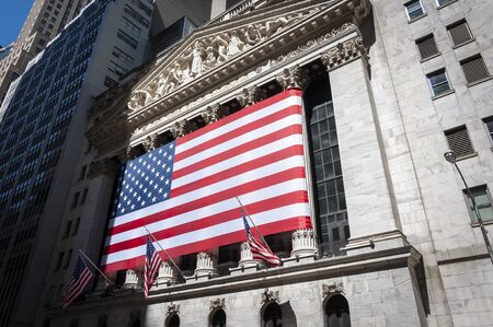 New York City, USA - June 7, 2010: The facade of the New York Stock Exchange in Wall Street, New York City. 에디토리얼