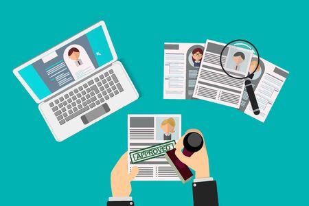 selección de currículums por un equipo de recursos humanos, un reclutador aprueba uno de ellos con un sello de goma, se lleva a cabo el procedimiento de contratación