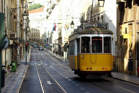 electrico: Tram, Lisbon, Portugal