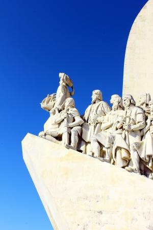 descubridor: Monumento a los Descubrimientos portugueses Mar Lisboa, Portugal Editorial
