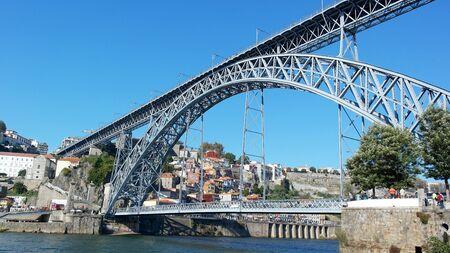 dom: Pont Dom Luiz, Porto, Portugal �ditoriale