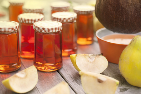 quince: Homemade Quince Jelly