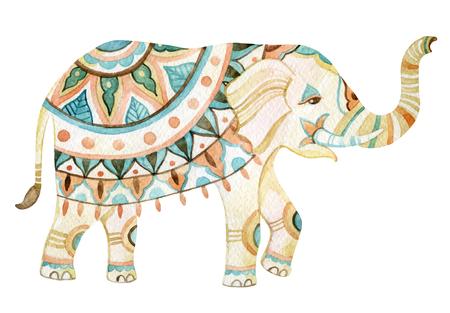 Elefante de la acuarela en el estilo bohemio. elefante adornado en colores Pastele aislado sobre fondo blanco. Dibujado a mano ilustración para el diseño en los estilos tribales o boho Foto de archivo - 61952764
