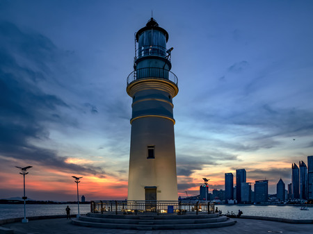 lighthouse landscape view during night time 版權商用圖片