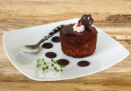 pasteles: pastel de galleta marrón en el fondo orgánica Foto de archivo