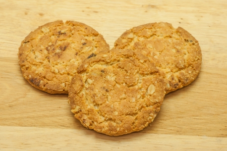 crispy: cookies Oat meal with strawberry on chopping board