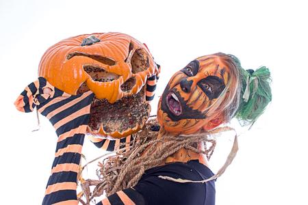 Rotten pumpkin attacks the human pumpkin