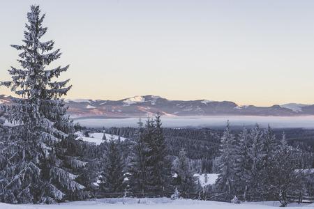 ティフタ峠の冬の風景