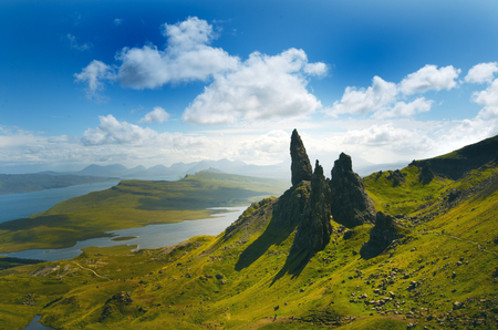 Tourists favourite place in Scotland - Isle of Skye. Scotland green nature. Top of the mountains. Beautiful nature. Scottish Highlands. 스톡 콘텐츠