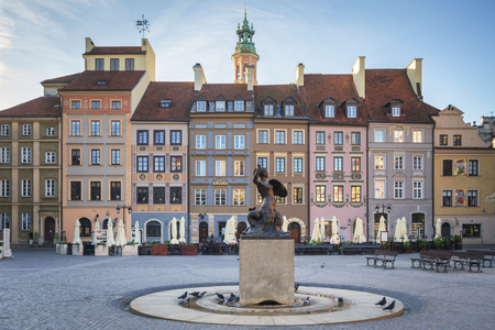 Meerjungfrau Statue Syrenka vom Warschauer Altstädter Marktplatz