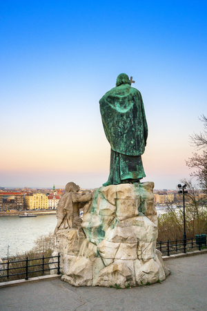 Budapest - Hungary, View from Gerard of Csanad Monument at dusk Foto de archivo