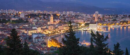 Panoramic View of beautiful Split at Night, Croatia Foto de archivo