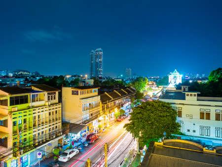 thanon: Thailand-July 6, 2015:Thanon Phra Athit at night. Thanon Phra Athit is located in the Phra Nakhon district of Bangkok on Phra Athit Road.
