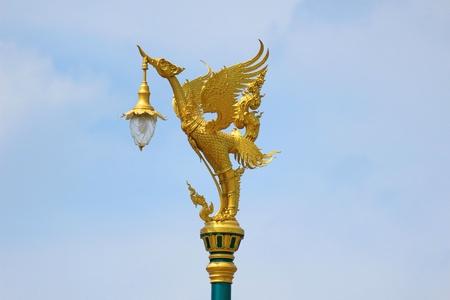 spiffy: The swan lamp