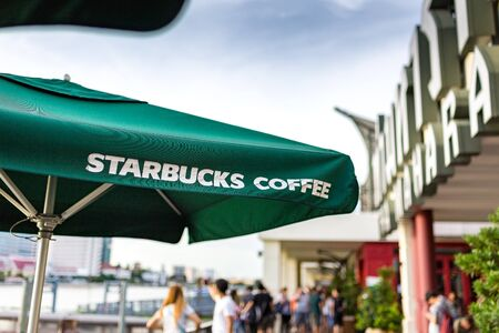 starbucks coffee: BANGKOK, THAILAND - SEPTEMBER 17, 2016: Starbucks coffee shop riverside of chao praya at Tha Maharaj in Bangkok, Thailand.