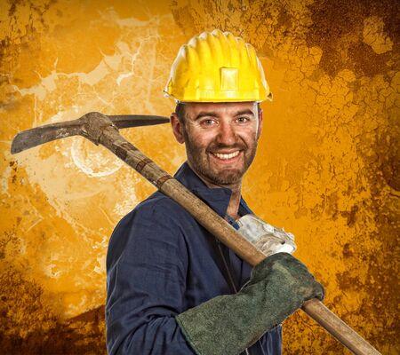 obrero: caucasian joven trabajador y grunge retrato de fondo