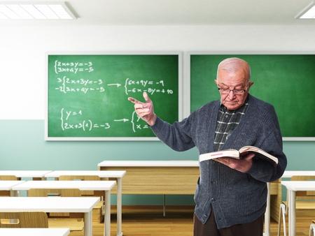 3ds: portrait of senior teacher in a 3ds classroom