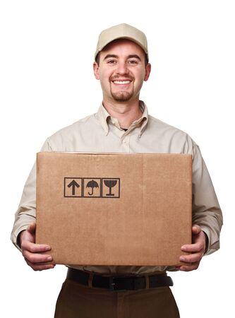 corriere: sorridente uomo consegna detiene un pacco grande isolato on white Archivio Fotografico