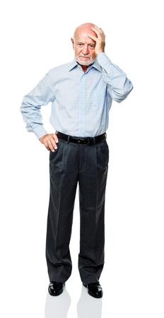 hombre viejo: aislado de pie cauc�sico viejo